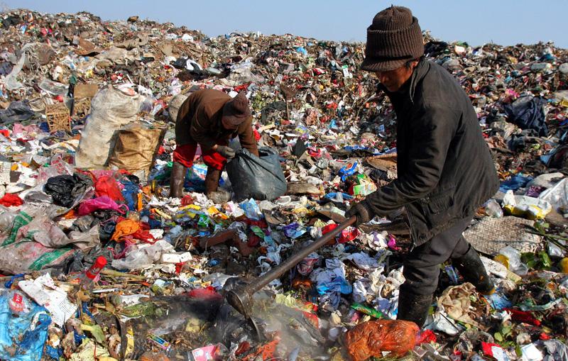 プラスチック廃棄場